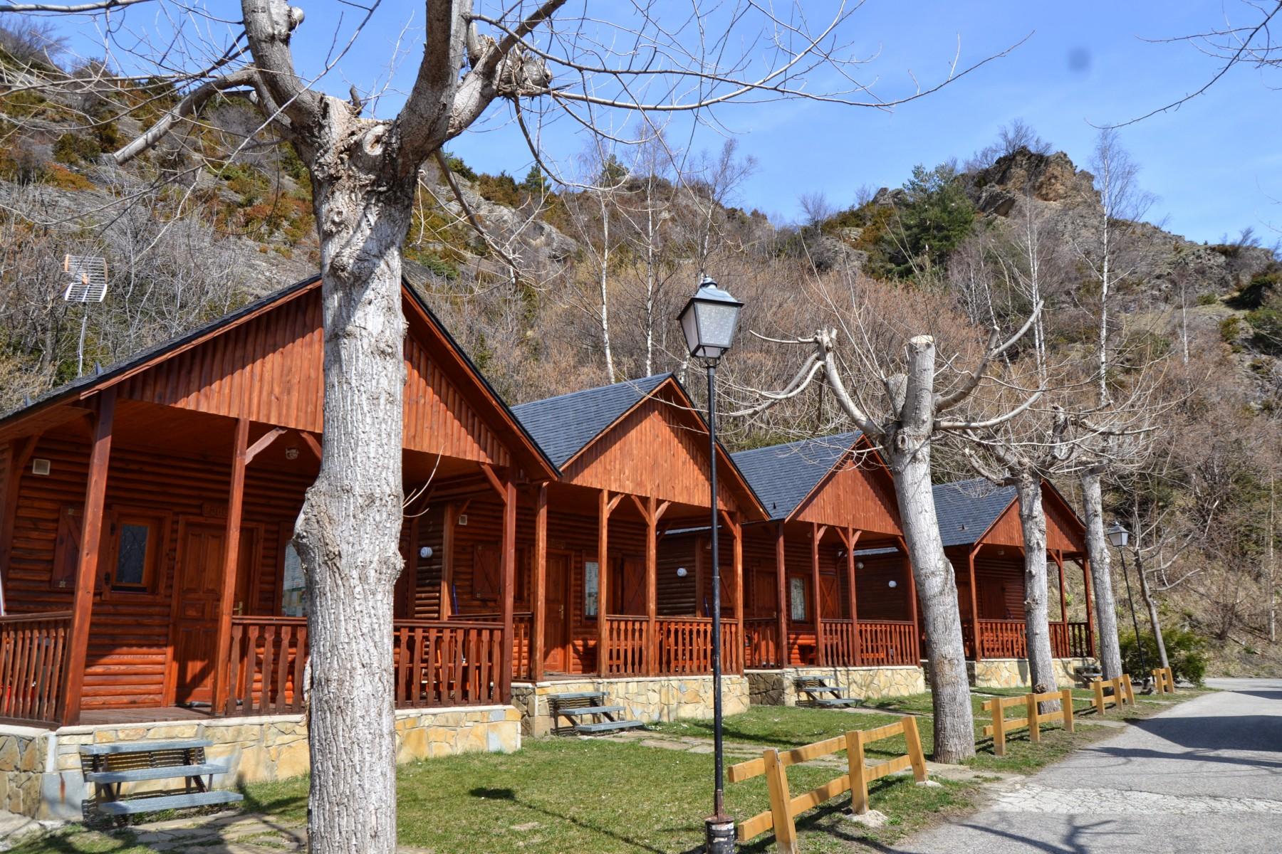 Bungalow 5 6pax camping aneto en el coraz n del valle for Www bungalow5 com